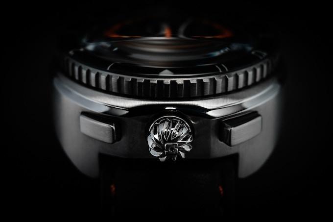 Legera Bullhead Automatic case detail