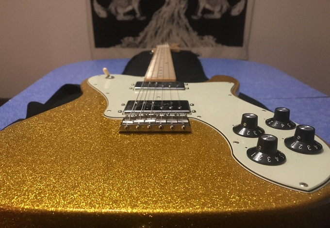 Closer look at the sparkle finish on the gold tele