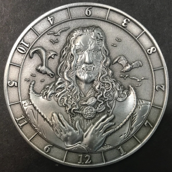 d12 Vampire - antique silver plated