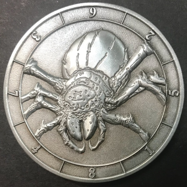 d8 Giant Spider - antique silver plated