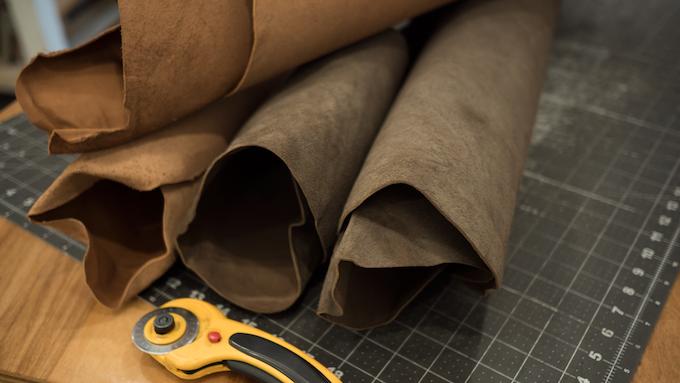 Full grain kangaroo leather. Slim, strong, sustainable.