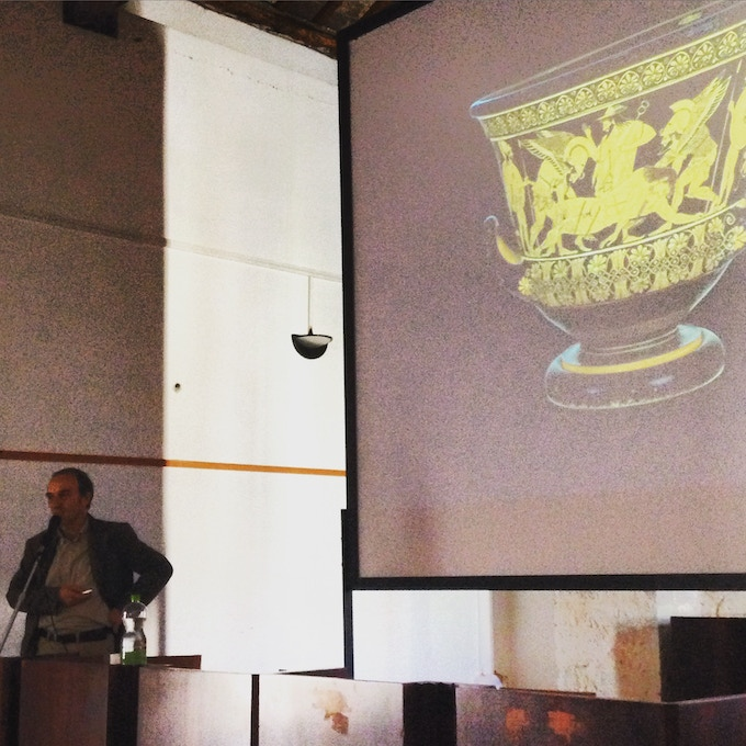 Stefano Alessandrini lecturing on the Euphronios Krater, which he helped to investigate on behalf of the Italian State