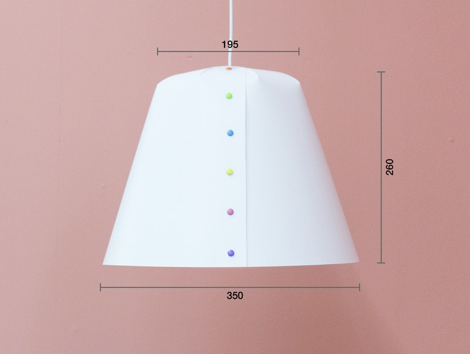 Measurements of the lamp shade in millimetres.