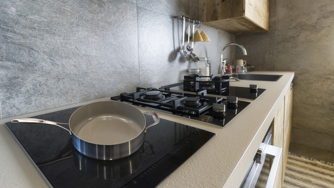 3-ply, full clad pan is optimized for any type of cooktop, including induction