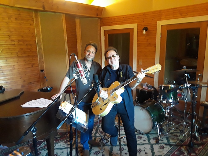 """Producer Kevin McKendree and Lloyd Jones at the """"Rockhouse"""""""