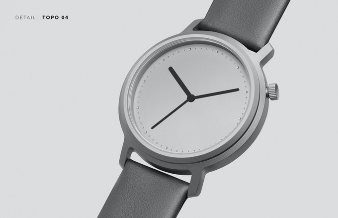 The markers are embossed directly into the dial, creating a remarkably subtle interplay with the light.