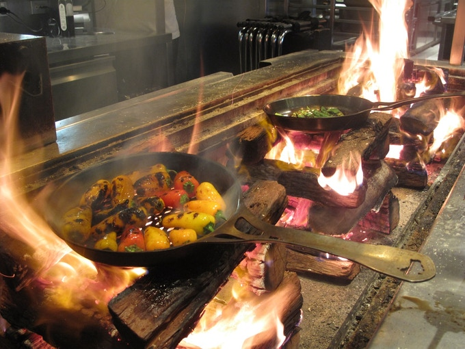 The fire pit at Rockpool Bar & Grill, Sydney, with our 26cm Flaming Skillets in action. These are the only pans they haven't been able to destroy.....