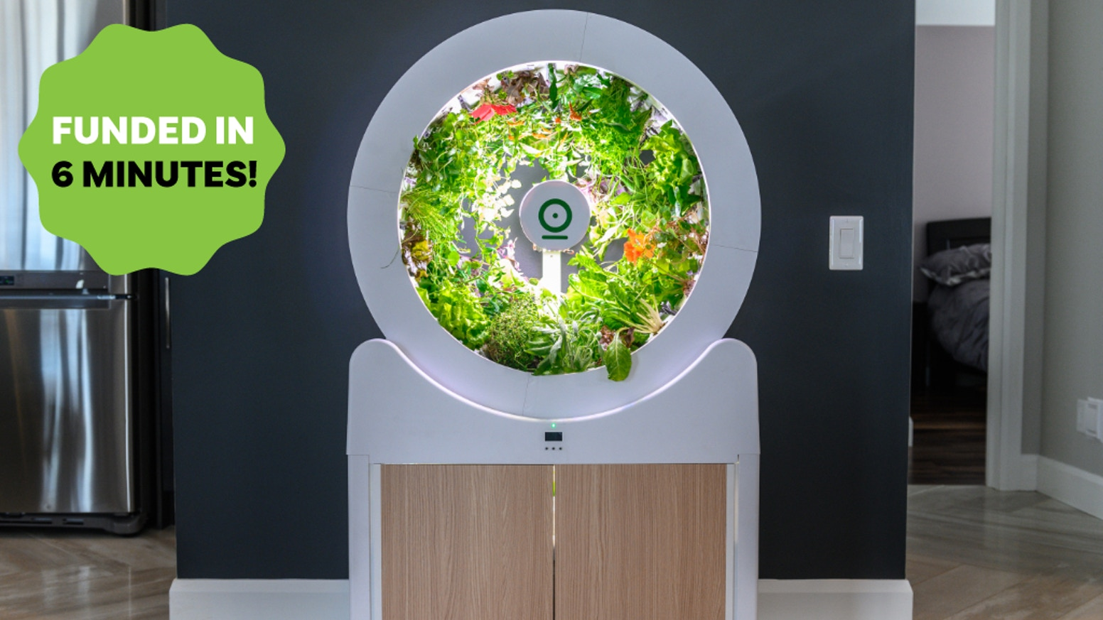 The perfect indoor gardening system - grows up to 90 fruits and veggies. Quick and easy, fully automatic and beautifully designed.