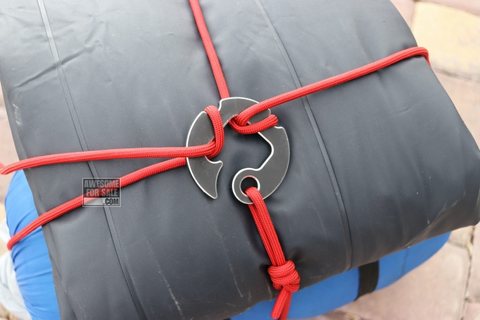 Double-cross knotless gear tie. Shown without wire gate.