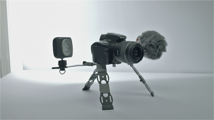 Inuk with VSLR, light and microphone