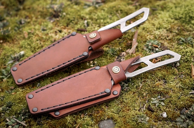 Our two sheath options: Traditional (vertical carry) and Combo (horizontal + high vertical)
