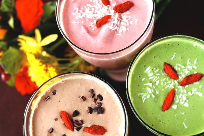 Legendary shakes in 5 flavors: coffee, cacao, mint shamrock, kale and strawberry