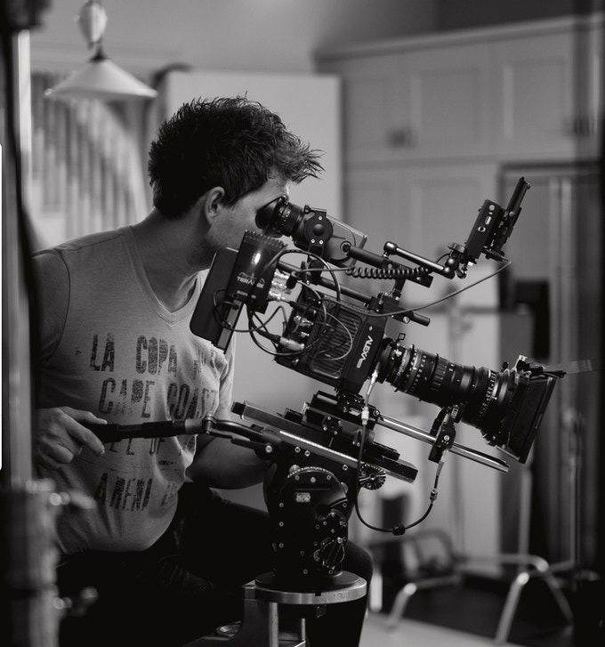 Our Director, Alexander Dawe, directed the short pilot film, I Run On and is a commercial film director with over 20 years experience.