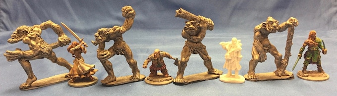 Trolls compared with 28-32mm figures