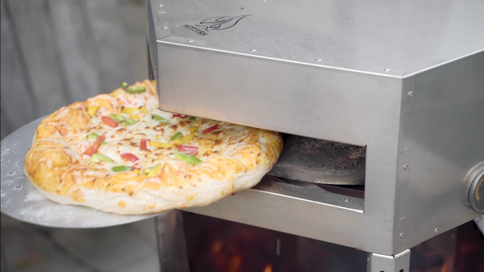 The perfect party piece, whether it's a full on pizza party, or just you and your food