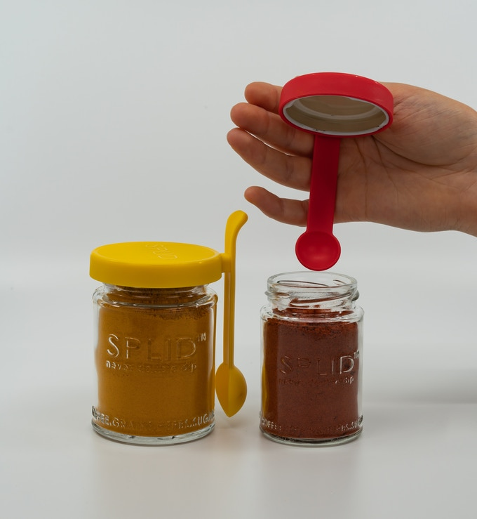 Yellow SPLID 250ml Twist-Off with Turmeric & Red SPLID 150ml Twist-Off with Sumac. Makes sense, yellow spices in yellow & red spice in red? Well yes & no, reverse the colours & suddenly you've got a very attractive contrast happening! It's so up to you.