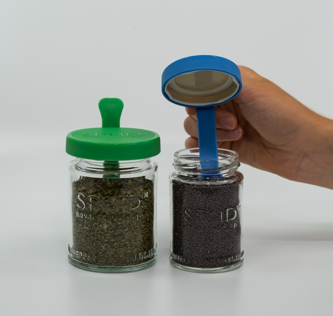 Green SPLID 250ml Twist-Off with dried mint, why not? Why not dried Oregano? Or dried Dill? Or dried Basil? Or dried Hooch? Haha, just seeing if you're still reading this ;) The Blue SPLID 150ml Twist-Off has none other than mustard seeds.