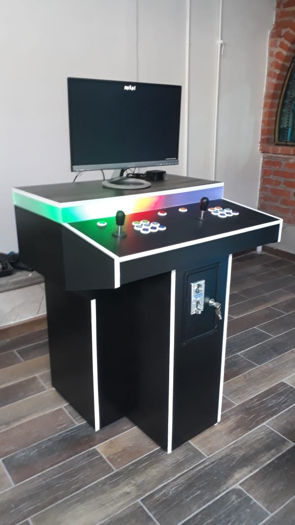 2-Player's Pedestal