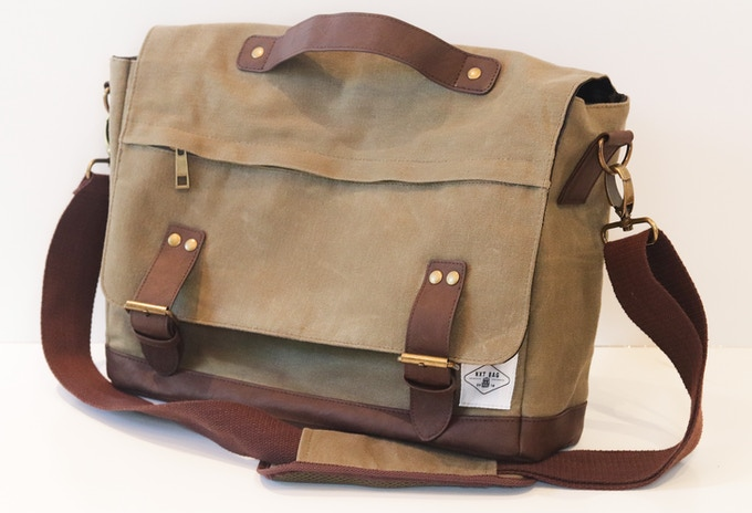 nXtBag2 12oz waxed canvas every day bag, leather straps and base, 50mm wide adjustable shoulder strap for added comfort.