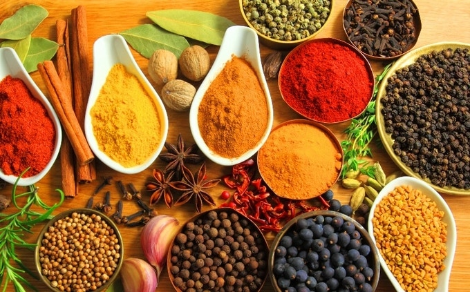 Some of the beautiful aromatic spices you can store & serve super fresh with a SPLID A teaspoon is always there for your next use!