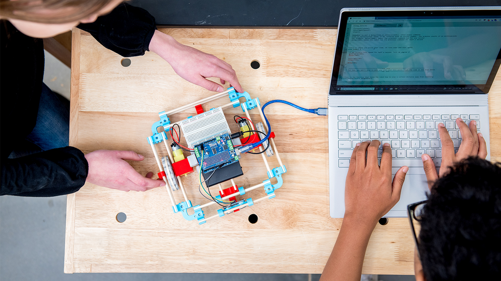 MOREbot: A 3D-printed robot ecosystem that grows with you
