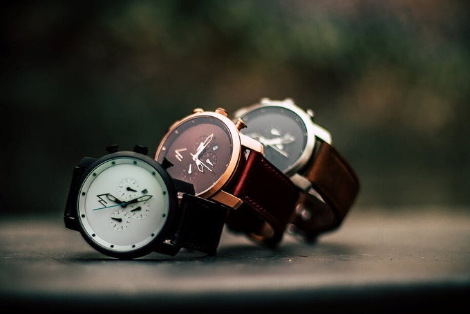 It may have a minimalist style but our watch has ALL the essentials; scratch resistant, water resistant and shock proof, we've got you covered.