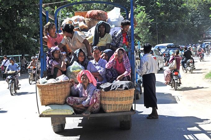 Bagan - Returning Home After Market