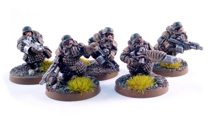 One officer, one shock gun and 3 gunners, this team are free from the Legions iconic face masks-17$ add on
