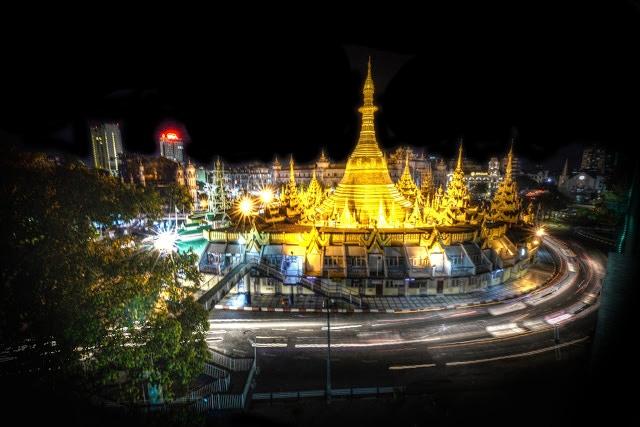 Yangon - Sule Pagoda at Night