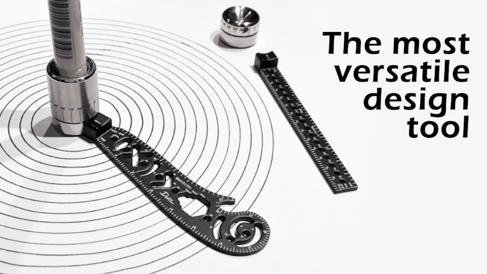 A mini compass and protractor combo to perfect sketching and create a new drawing experience