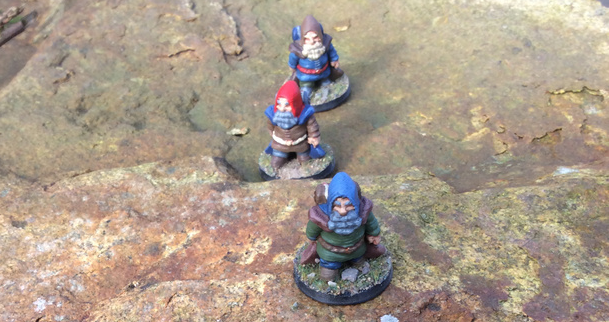 Dwarf travelers on a journey, printed and painted by Patreon supporter, Stephen Renwick.