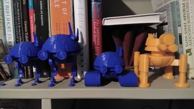Various 3D printed Allonians.