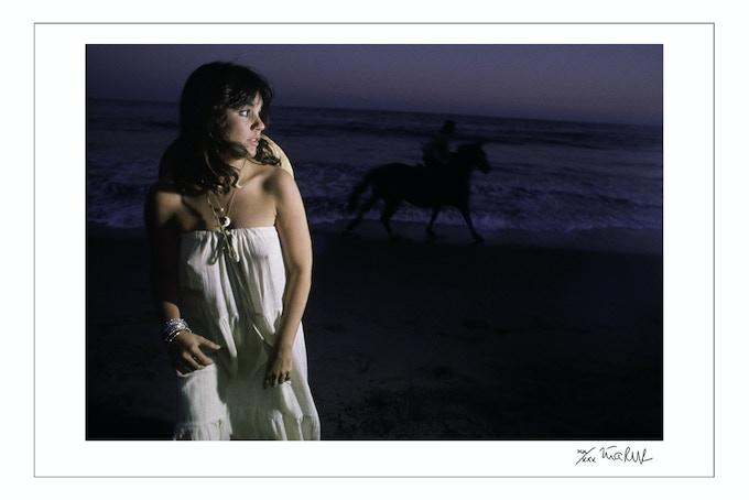 "Linda Ronstadt ""Hasten Down the Wind"" Malibu 1975 (24x35 choice)"