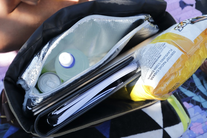 The removable insulated bag can be loaded with your everyday food needs and removed if not needed.