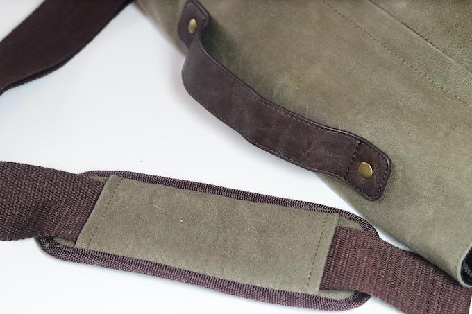 50mm Wide Adjustable Shoulder Strap.
