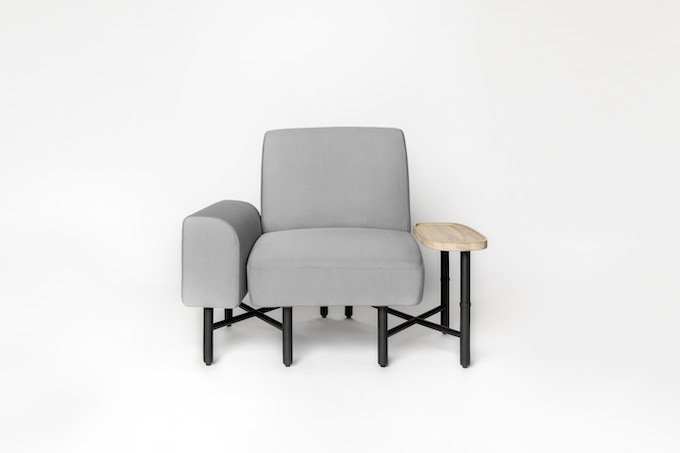 Castella 1-seater in Light Grey with armrest and side table