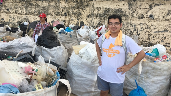 During our research period, we participated in an actual coastal cleanup act. In this run, we cleaned up 1.6 tons of garbage in 2 hours.