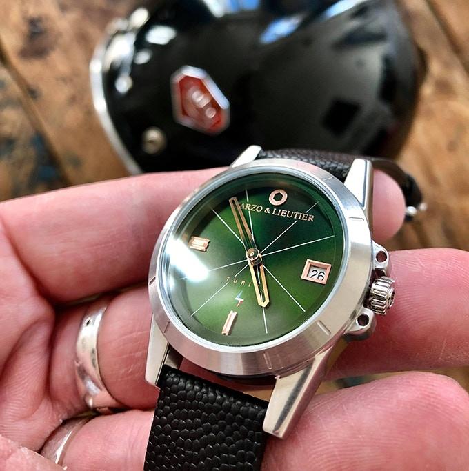 TURINI Quartz Green Light & Steel