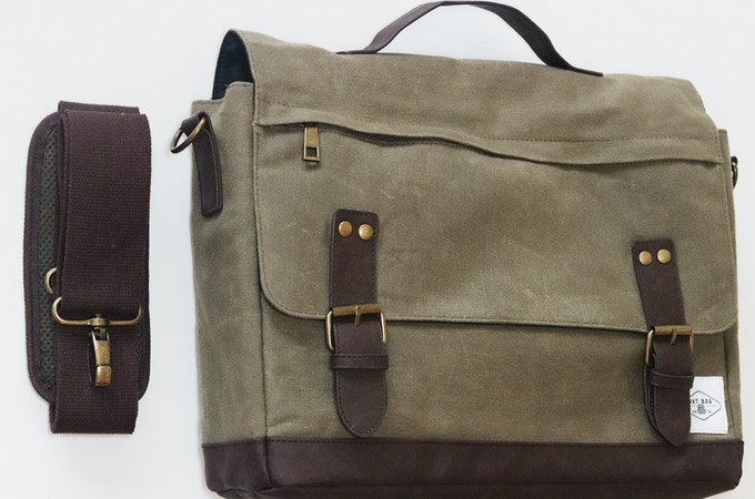 """12oz waxed canvas with heavy duty stitching, adjustable 50mm/2"""" shoulder strap."""