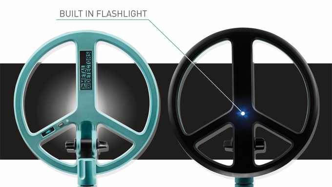 Hunt your treasures at night with an integrated flash light!