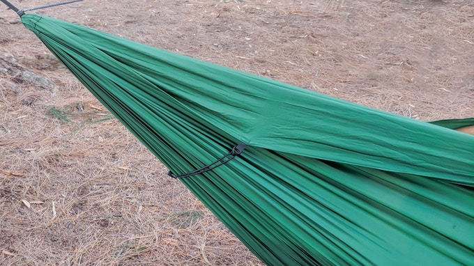 The Fabric Tensioning System tightens up annoying loose fabric that's common with hammocks