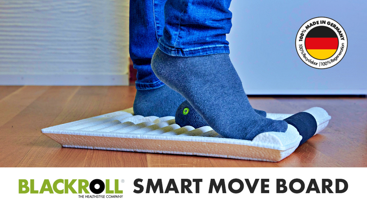 The Revolution For Your Standing Desk - BLACKROLL® SMART MOVE BOARD keeps you energized and healthy during the day.