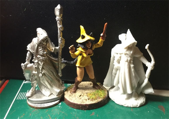 Picture is to show witch miniature scale comparison between two REAPER miniatures.
