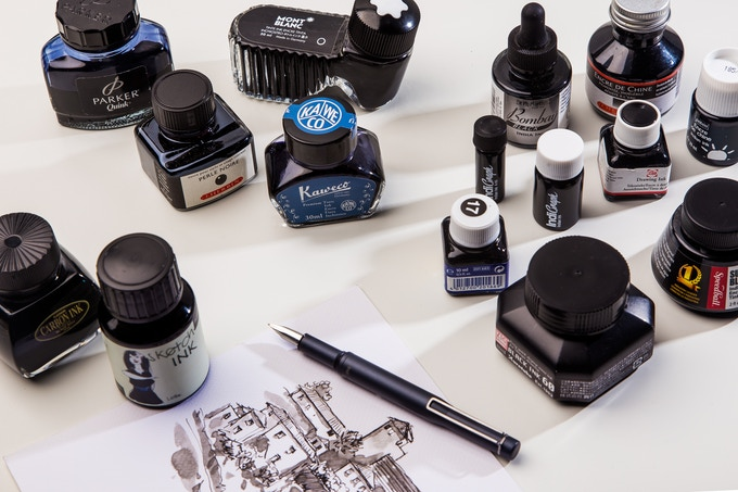 IndiGraph is a fountain pen capable of using a wide variety of inks including Indian, calligraphy, color and regular inks; which makes suitable for different artistic endeavours.