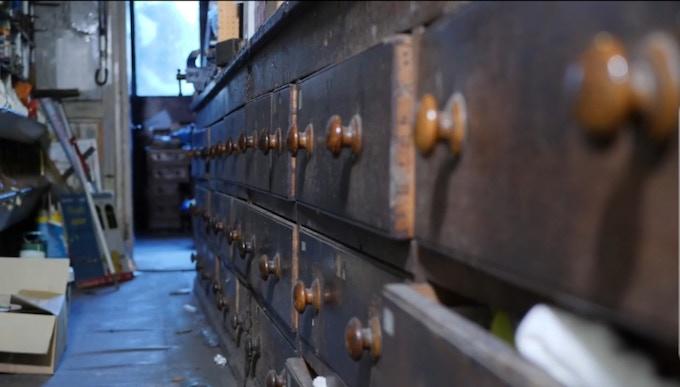 The mahogany counter in no 36