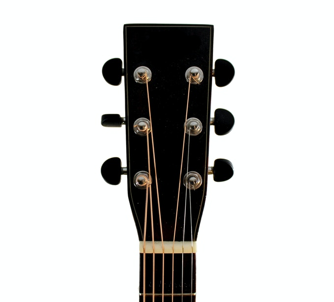 All Solid Dreadnaught with 12-Frets of Gillis Single String Capo System