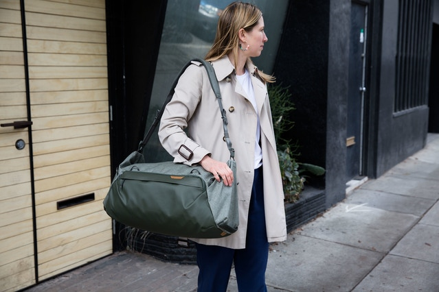 Also included in the Duffel 35L is a padded shoulder strap. It uses the same Cord Hook connection hardware. For shoulder carry, simply detach the hand straps and attach the shoulder strap. All straps stow easily in the bag. Shown here is the Sage colorway.