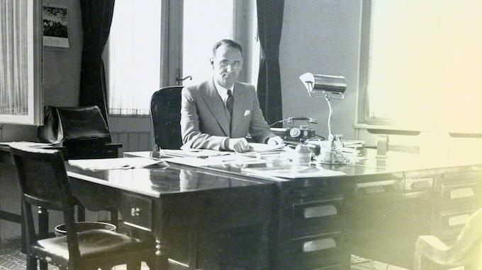 Carl Lutz in his office at the US legation in Budapest – Bildquelle «Archiv für Zeitgeschichte ETH Zürich/Agnes Hirschi»