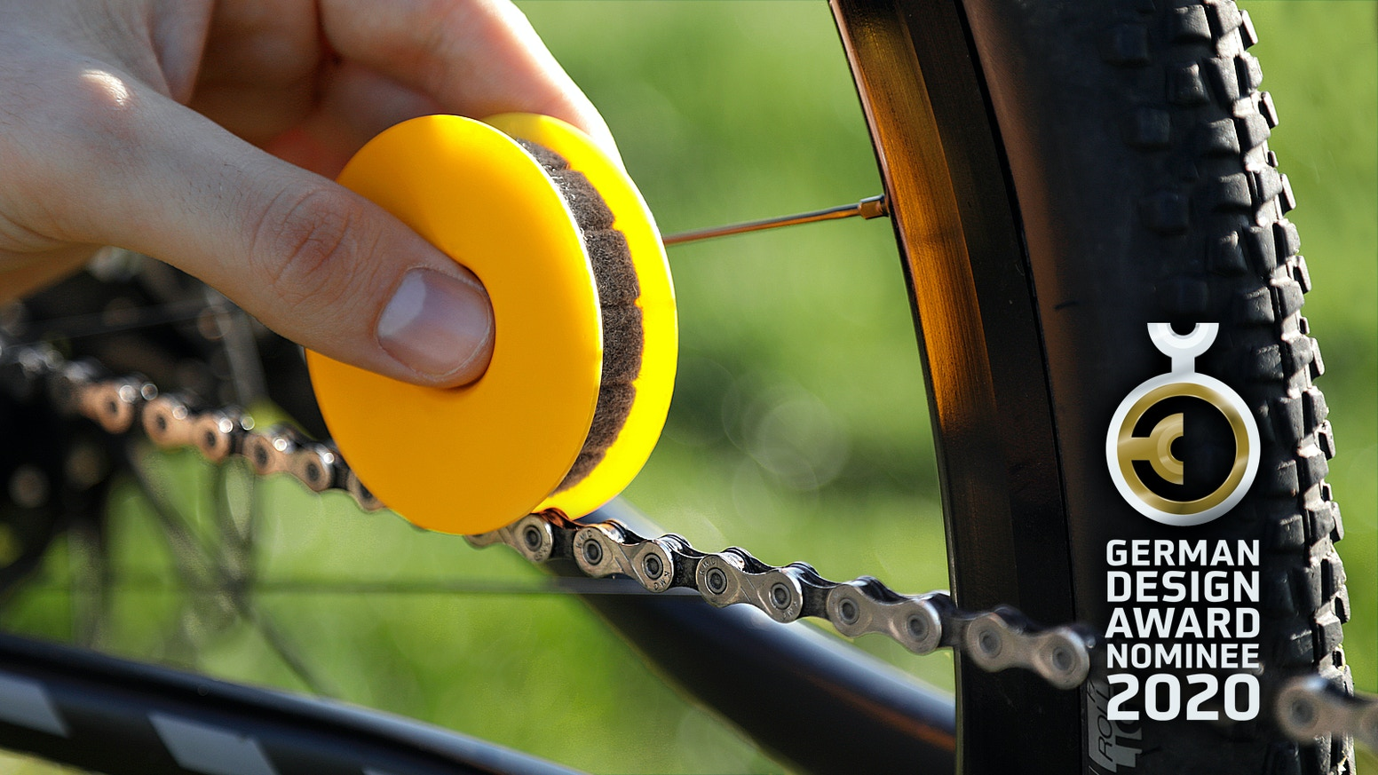 Chain maintenance has never been easier. No more dirty fingers, more riding pleasure & less pollution. Our shop is open!