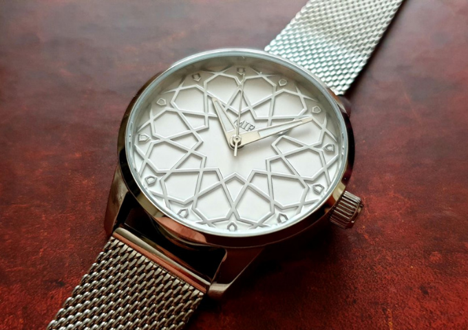 Womens Limited Edition Silver Alhambra Watch